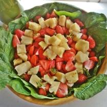 épinards, fraise et ananas