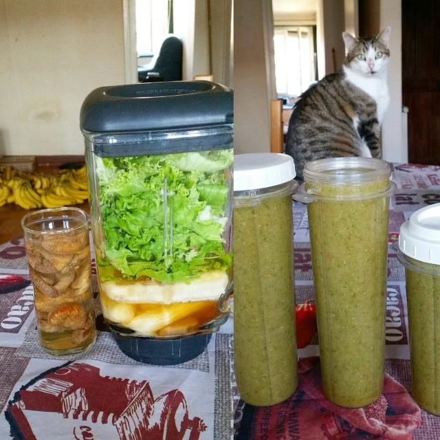 smoothie vert - bananes, salade et dattes